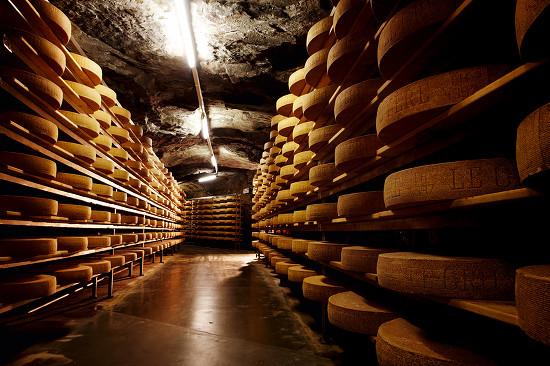 """""""Grottardo di Grotta"""" affiné 10 mois normalement et 6 mois en grotte"""